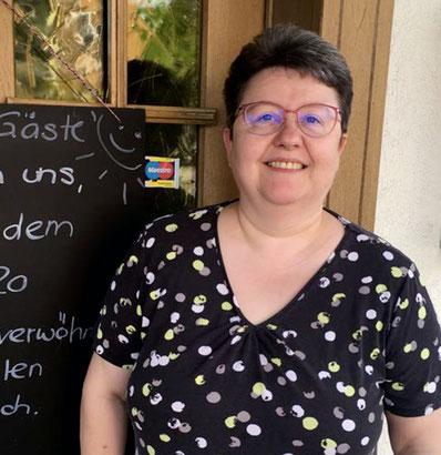 Nelly-Zimmermann-Restaurant-Sagi