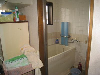 改装前の浴室