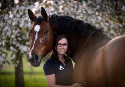 Ronja Rübelmann, Lucky Horse Shop, Warmblut, Freiarbeit, Horsemanship, Gelassenheitstraining