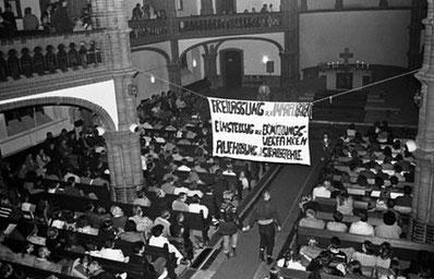 Oppositionsmøde i Gethsemanekirche i Østberlin