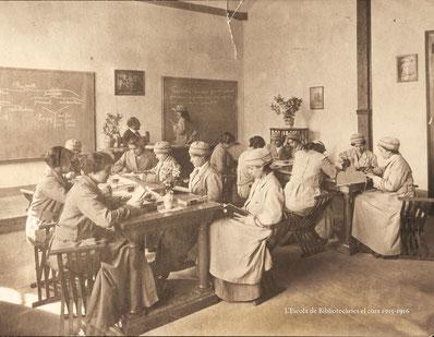 L'escola de Bibliotecàries (curs 1915-1916)