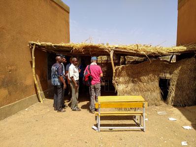 Das ist ein Klassenzimmer des CEG Tobou - es soll durch feste Bauten ersetzt werden