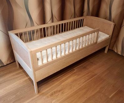 Hochwertiges Kinderbett
