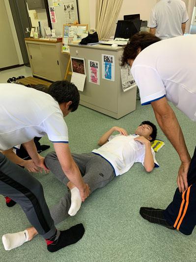 しんそう療方の検査で、身体の歪みを分析し、腰痛、座骨神経痛、脊柱管狭窄症などの原因がわかります。