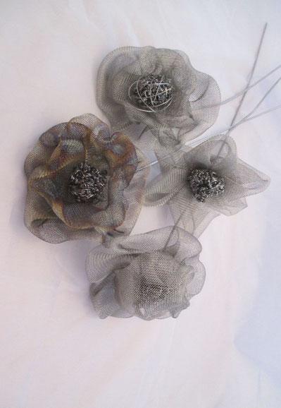 fleurs, roses en inox à piquer, à planter dans un pot, dans la terre