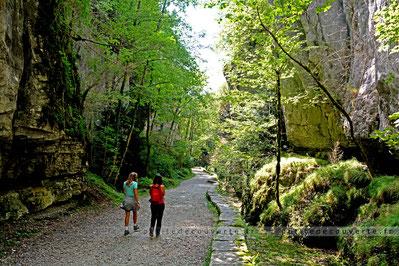 Voie romaine / sarde grotte saint-christophe