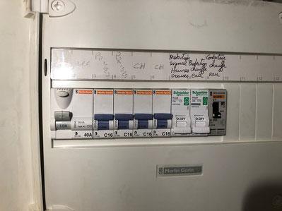 Deplacement du contacteur chauffe eau d'un appartement situé à Marseille 13006