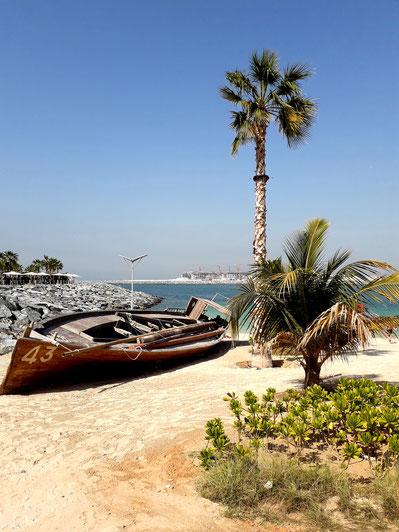 Dubai hat eine Küstenlänge von mehr als 60 km und lockt mit vielen wunderschönen Stränden