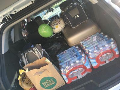 Unser Gepäck und die ersten Einkäufe im Kofferraum