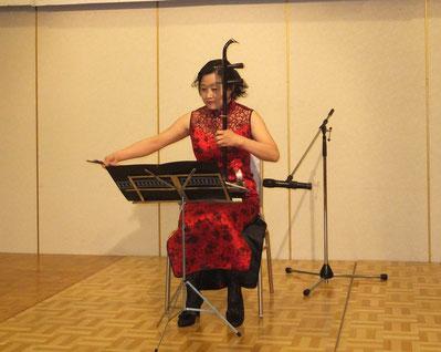 陳曼麗さんによる二胡演奏