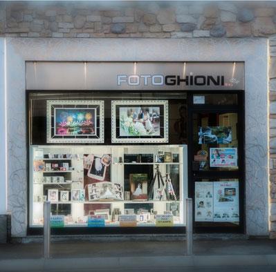 negozio fotografico FOTOGHIONI paina