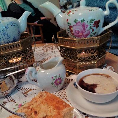 Teetied in der Teerose