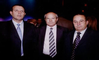 De izquierda. a derecha: El Secretario de INTER-SOS, D. Juan Manuel Bergua, José Montilla y el Presidente de INTER-SOS, D. Manuel Jaime.