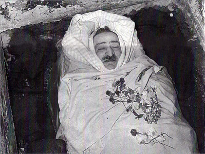 Meher Baba was sourrounded by blocks of ice in his crypt to keep his body fresh for the 7 days he was uncovered from January 31st 1969.