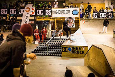 Skateboarder Egor Golubev doing a frontside bluntslide during Innsbruck Invitational Skateboard Contest 2018, copyright Ulli Hoschek