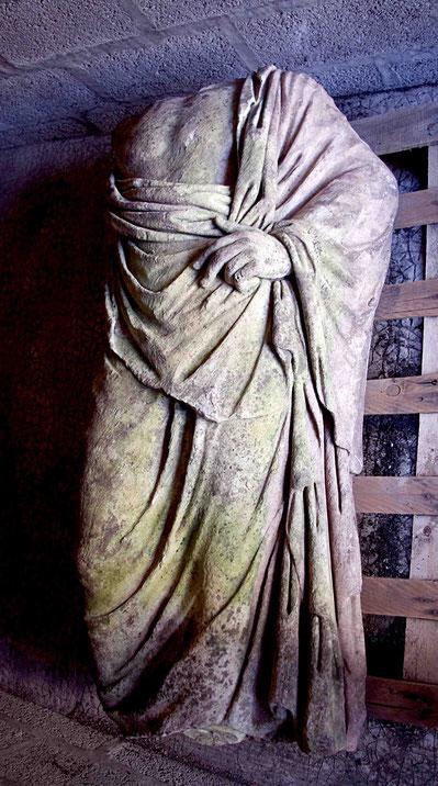 Fig 7 - Statue d'homme drapé dit Esculape - Photo Martin Szewczyk.