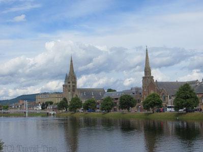 Idyllisch liegt Inverness am Rande der Highlands am River Ness.