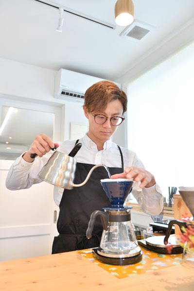 新潟市江南区にあるローストカフェの豆を使った香り高 いブレンドコーヒー「はちいちブレンド」420円もぜひ