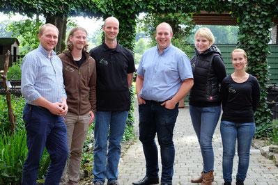 Das Organisationsteam (von links): Henning Giede-Jeppe (ForFarmers), Mathias Baudis (tech. Angestellter), Ralf Bischoff (Praxisinhaber), Stefan Janning (ForFarmers), Dr. Diana Busley (TÄ) und Angelika Cechini (TÄ)