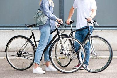 City Bikes von City Cycles Modell jallajalla und habibi sehr schön gestyltes Velo in schwarz und Chrom.
