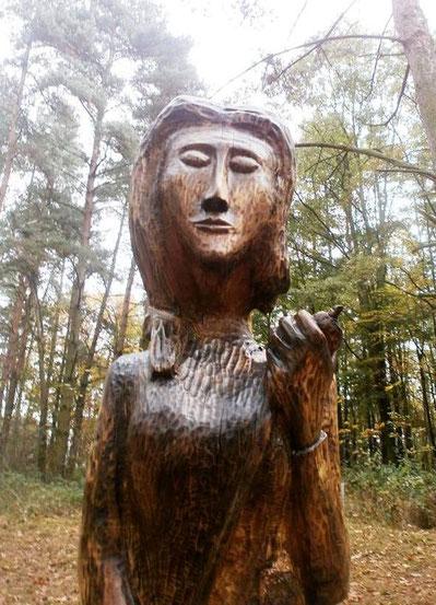 Mokosch. Moderne Holzskulptur in Mokoschin. Foto: Dr. Baal Müller