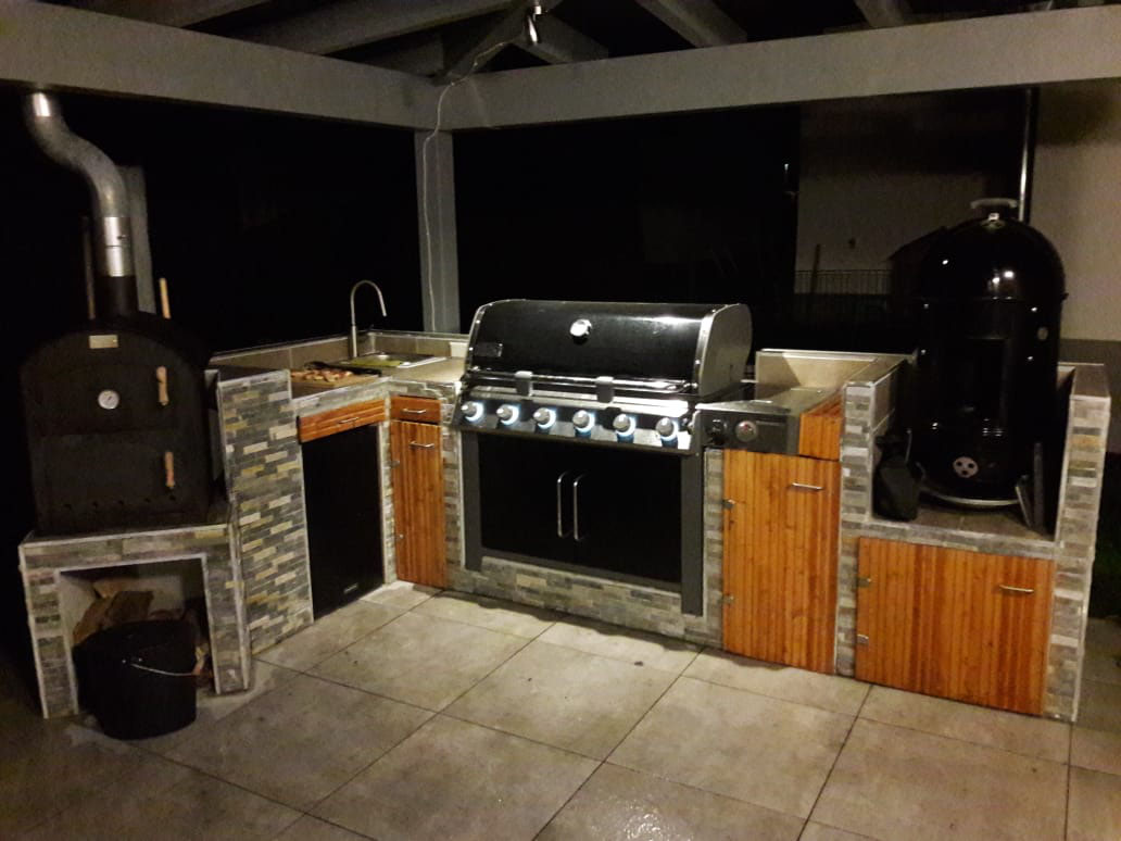 Outdoorküche Weber Xl : Outdoor küche türen. outdoor küche bauen holz ikea metod bodbyn