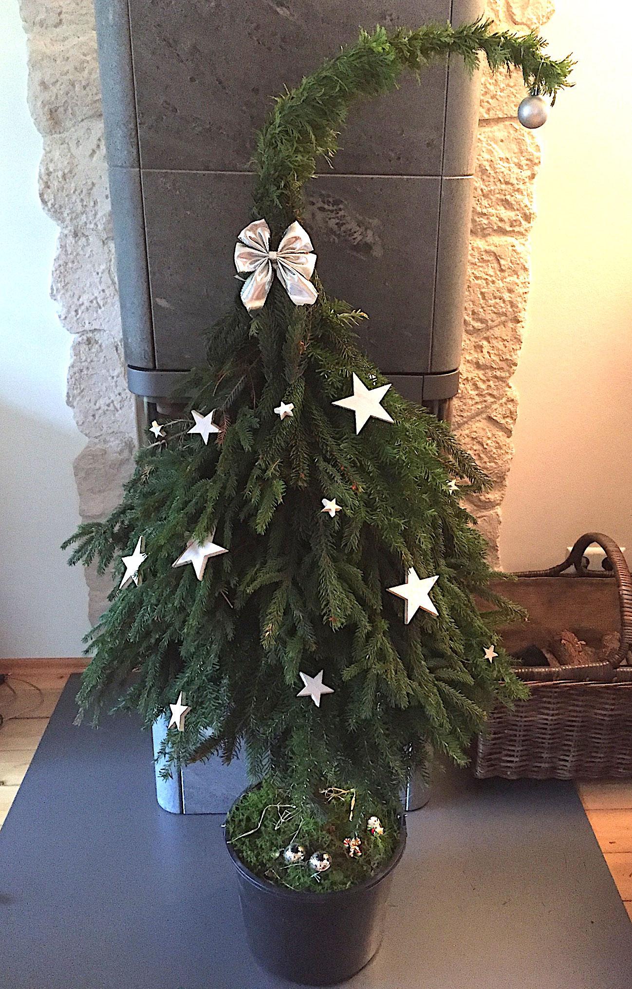 weihnachtsbaum diy einzigartige papier geschenkideen. Black Bedroom Furniture Sets. Home Design Ideas