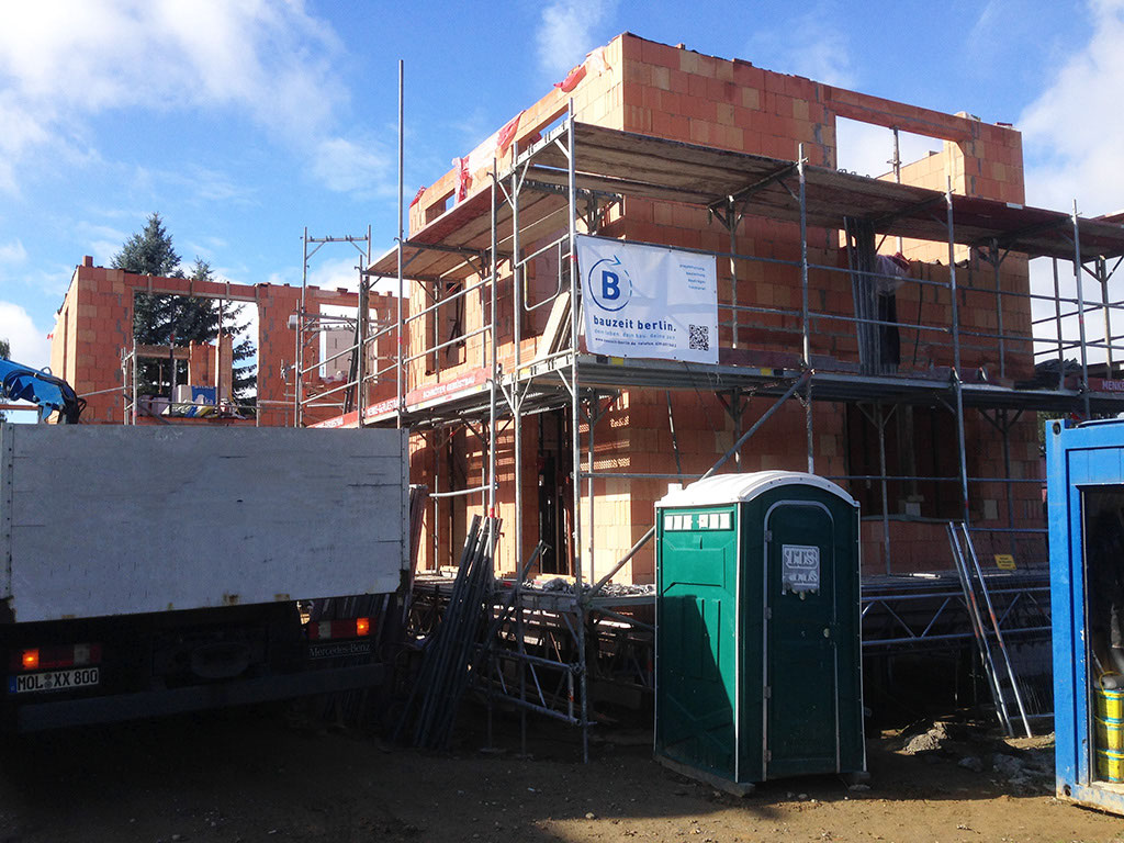 Neubau eines 3 familienhaus in frohnau bauzeit berlin gmbh for Familienhaus berlin