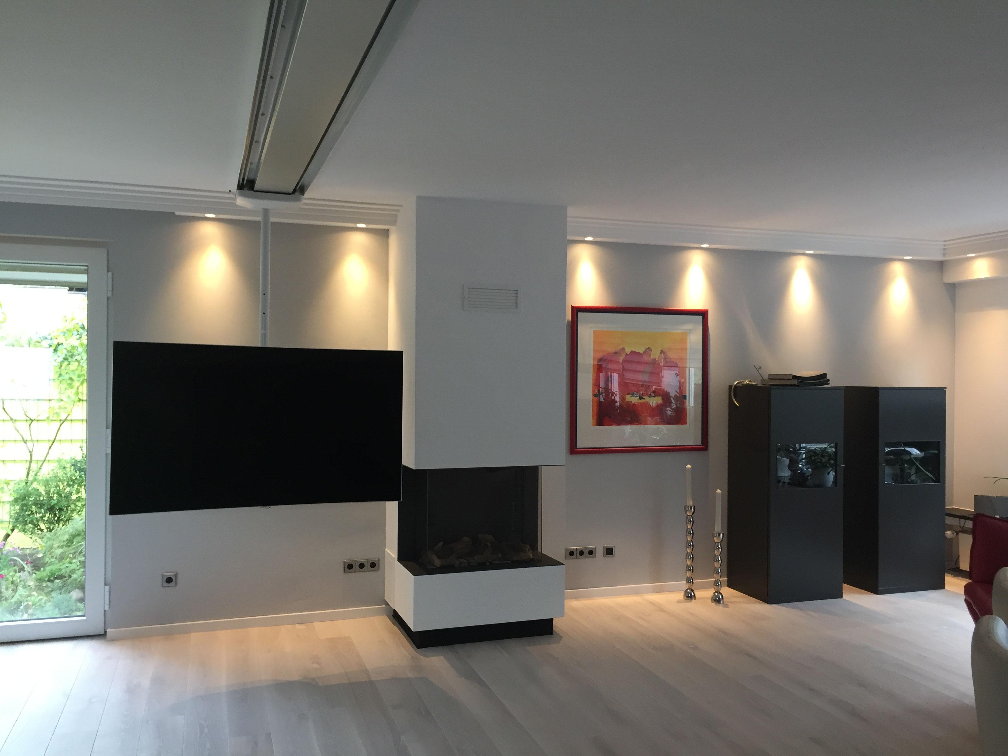 tv deckenhalterung screentrain neue kundenphotos screentrain. Black Bedroom Furniture Sets. Home Design Ideas