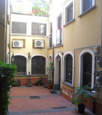 By2 2 vani in affitto a catania via alberto mario for Bivani arredato catania