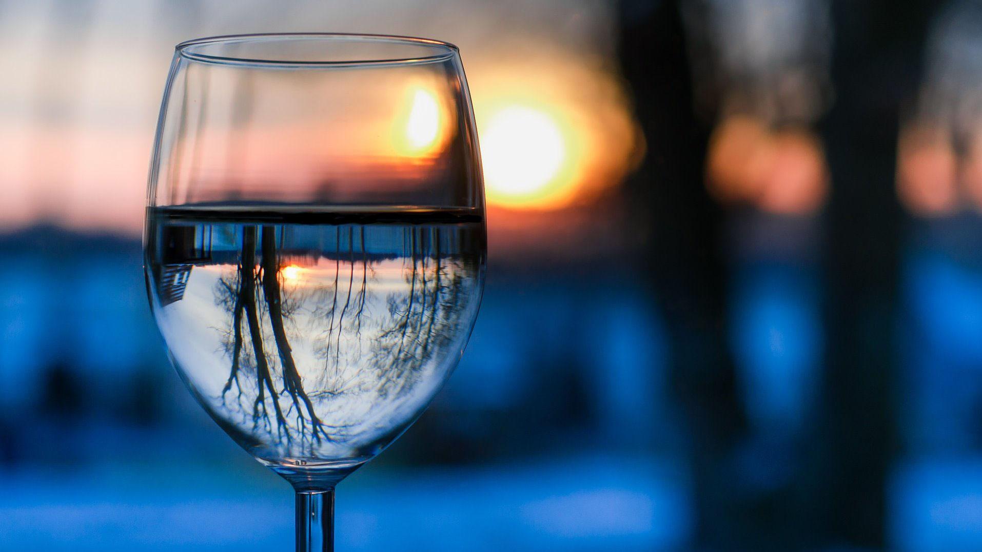 Kết quả hình ảnh cho عکاسی از ظروف شیشه ای