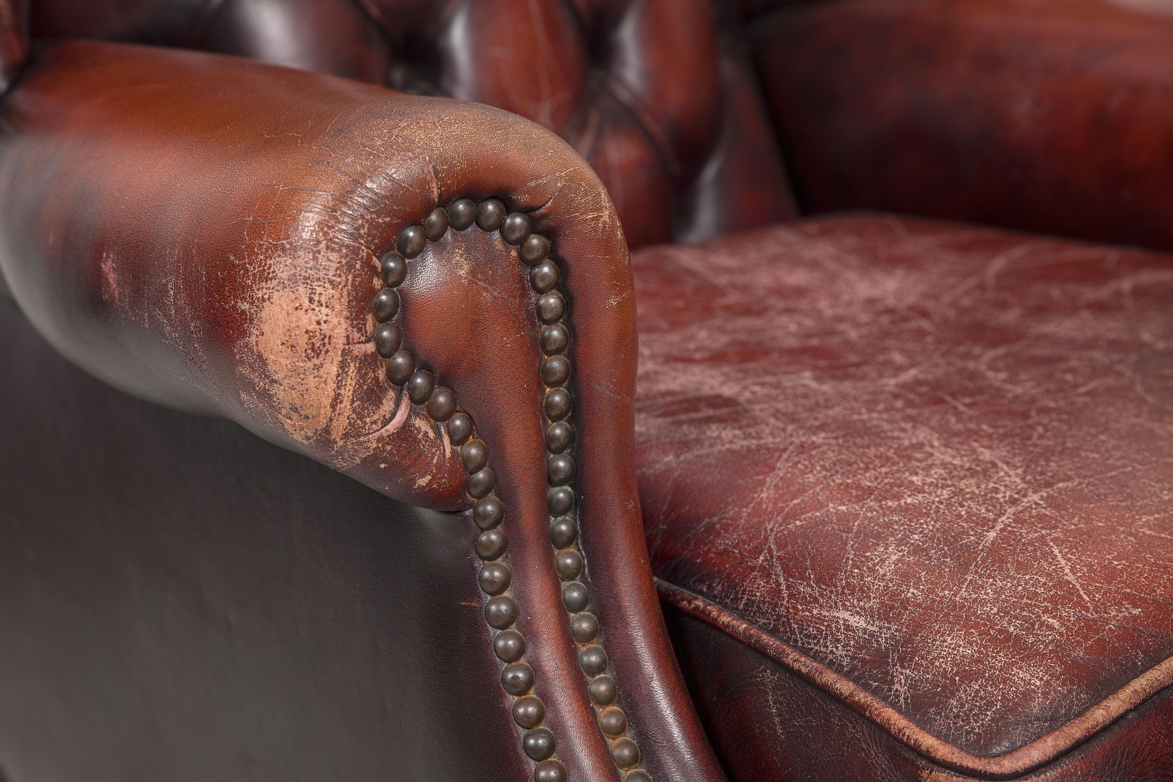 Entretien Canapé Cuir Naturel attention de ne pas confondre nettoyage du cuir et entretien