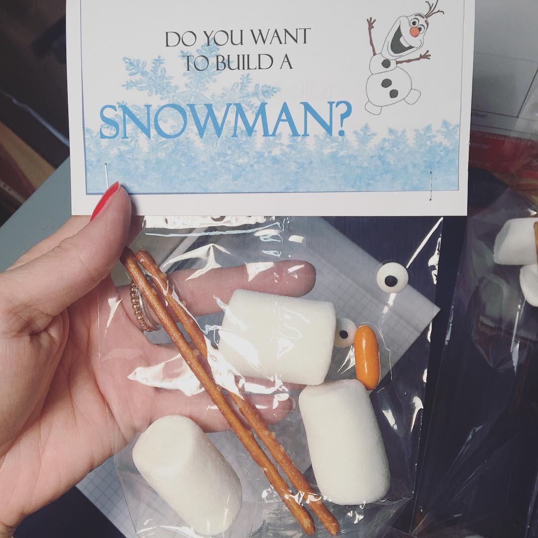 Willst du einen Schneemann bauen? (Deutsch & Englisch
