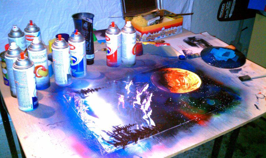 Realiser Un Space Painting Bombes Aerosols Acrylique Slave 2 0