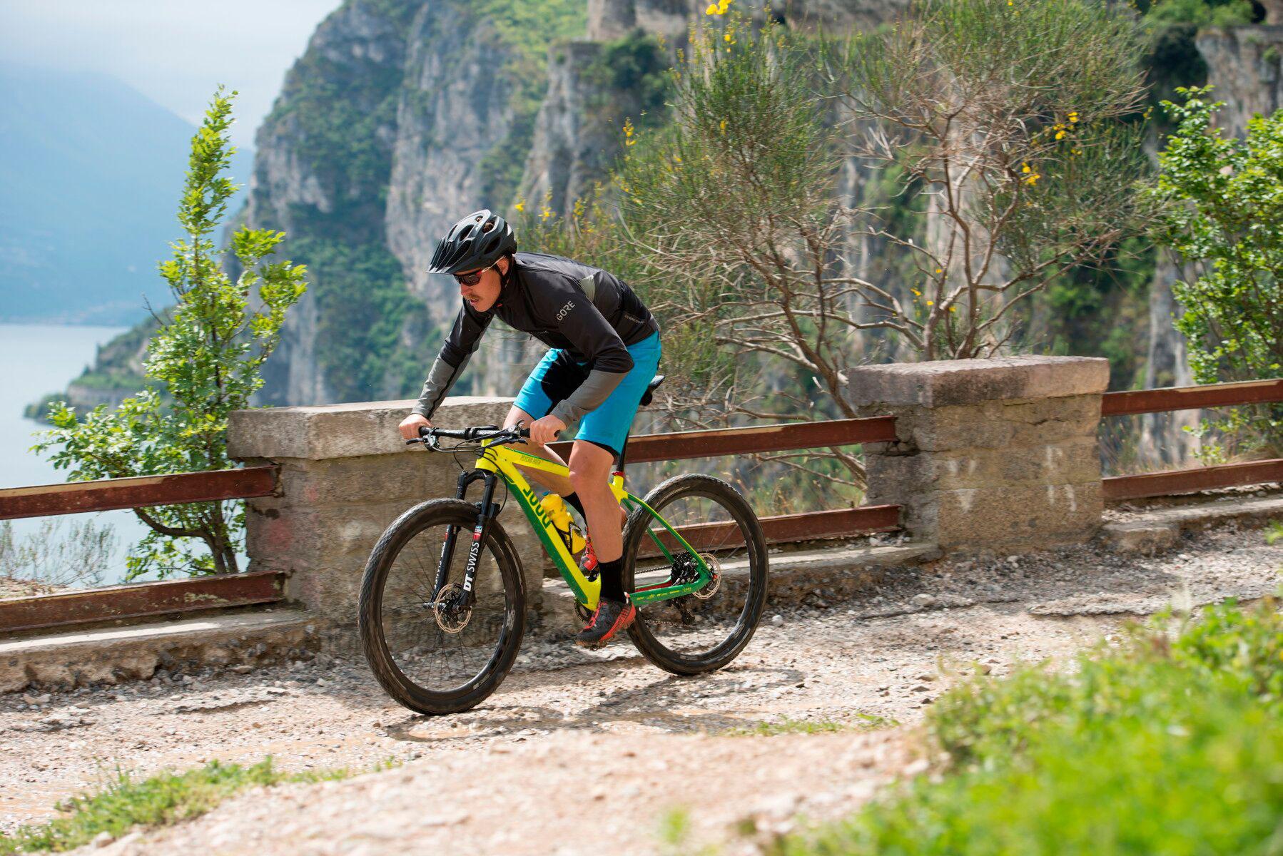reduced to the max gore c7 pro f r mountainbiker velototal das gr te fahrrad netzwerk. Black Bedroom Furniture Sets. Home Design Ideas