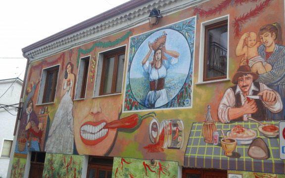 Satriano Di Lucania Murales.Satriano Di Lucania Capitale Dei Murales Artisti Emergenti