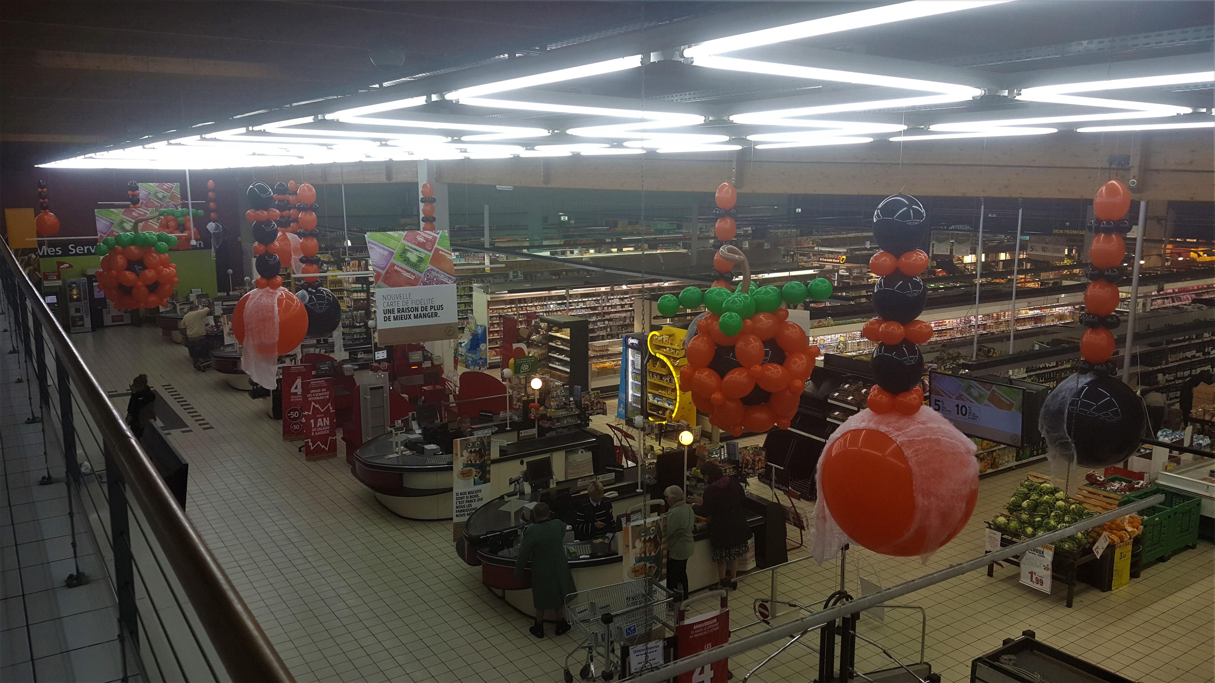 Decoration Halloween Magasin.Deco Ballons Halloween Pour Intermarche Decoration De Ballons Pour Mariage Anniversaires Magasins Et Tous Evenements