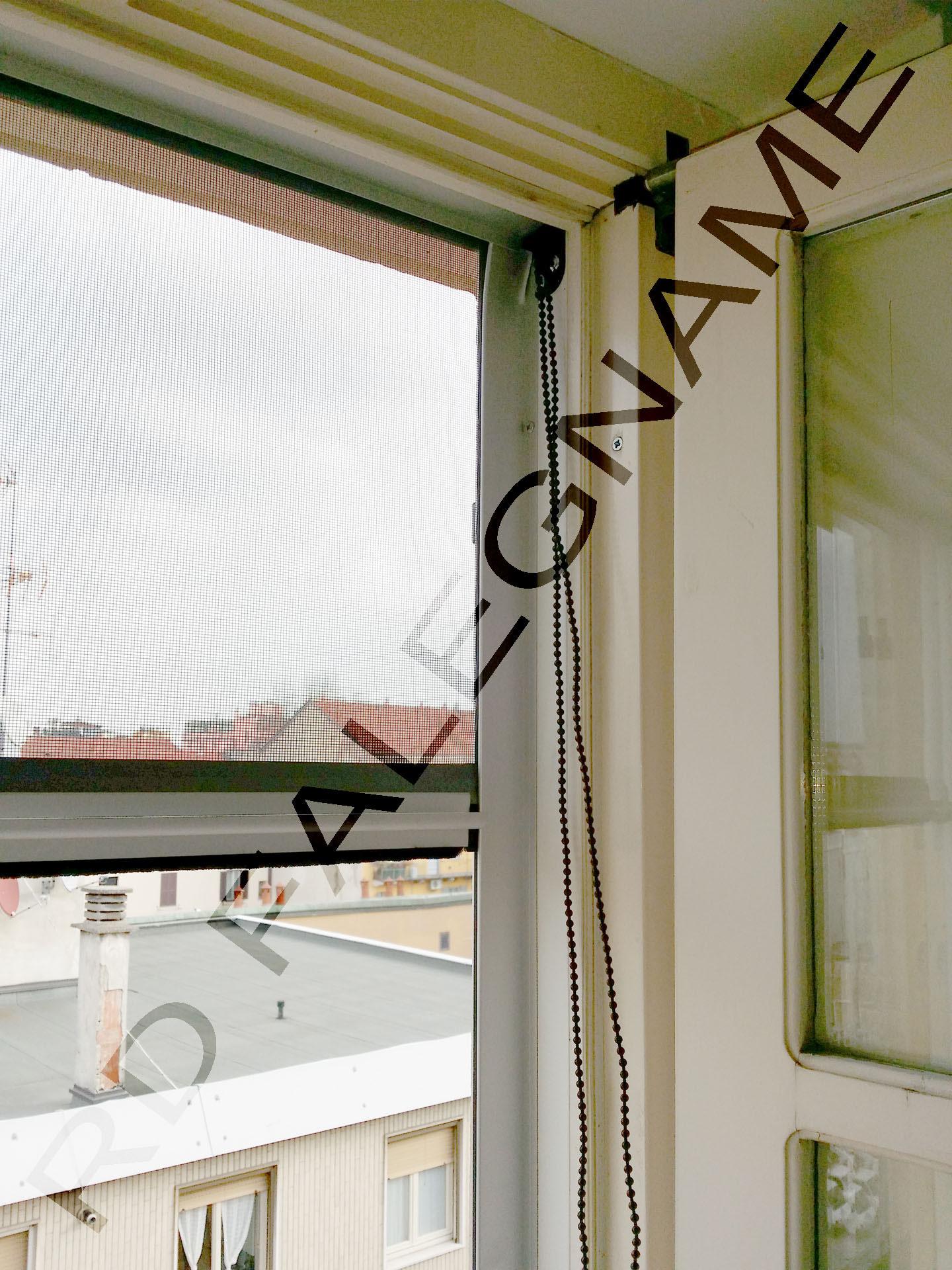 Zanzariere su misura a catenella ed a molla fornitura e for Ikea coprifili