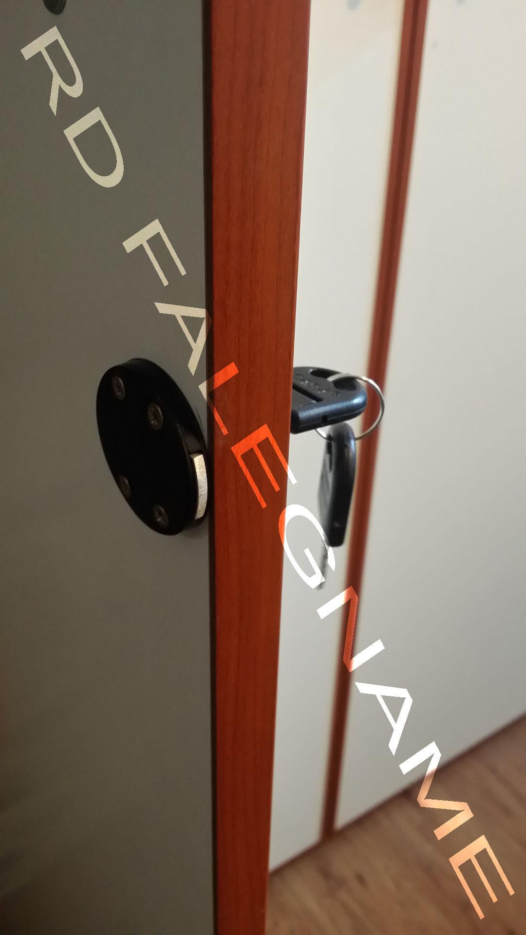 serratura per la chiusura a chiave delle ante di armadi in legno e ferro