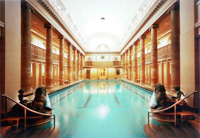 Top 5 swimming pools in Berlin - walk this way
