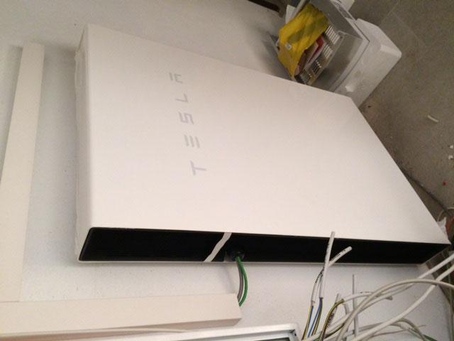 warum der tesla speicher powerwall die zukunft ist. Black Bedroom Furniture Sets. Home Design Ideas