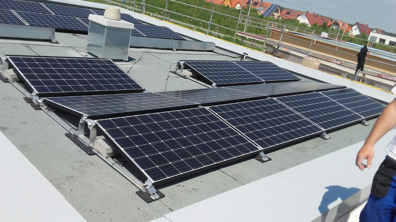 stromausfall notstrom mit solar photovoltaik und speicher solar photovoltaik waermepumpe. Black Bedroom Furniture Sets. Home Design Ideas