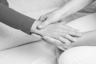 Shiatsu Reutlingen Behandlung Hände