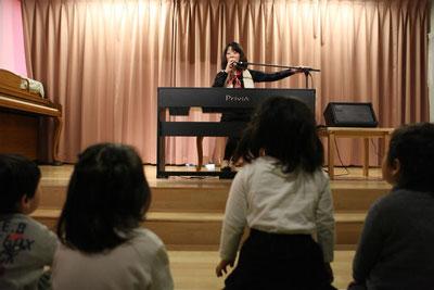 みんな、一緒に歌ってね! (C)snapsnap.jp