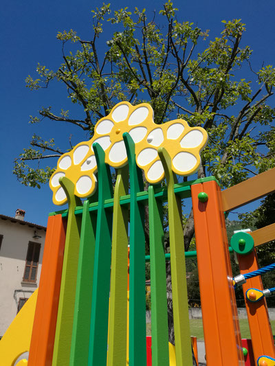 giochi per parco, giochi per parchi, attrezzature per parchi gioco, strutture ludiche Stileurbano Ciuffo Baobab certificati Norma EN1176 CATAS stileurbano oratorio FOM odielle abbiategrasso