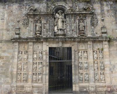 Cathédrale de Santiago, la  porte du pardon.