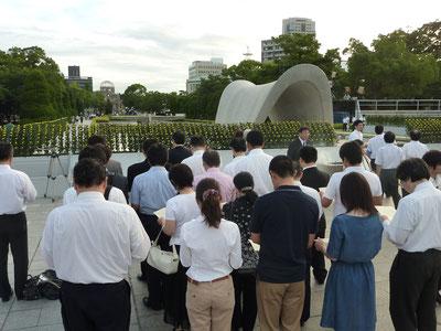 平成24年の早朝慰霊参拝