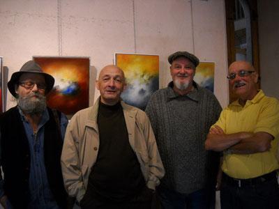de gauche à droite serge sallan sculpteur, roger betti galeriste, alain besse peintre, charles bagioli historien d'art