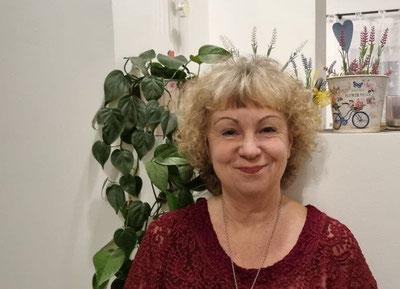 Das Foto zeigt die Schapendoes Züchterin Doris mit ihren Schapendoezen und ihren Biewer Yorkshire in Prittriching