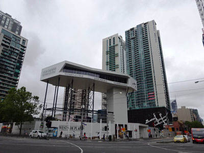 サザンクロス駅前では、リッツカールトンホテルが建設中